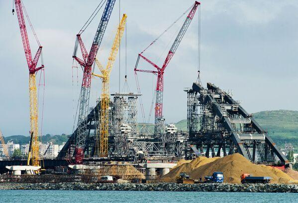 Výstavba mostu přes Kerčský průliv na Krymu - Sputnik Česká republika