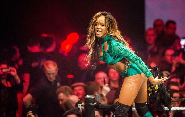 Herečka Alicia Fox na wrestling show WWE ve francouzském Lille - Sputnik Česká republika