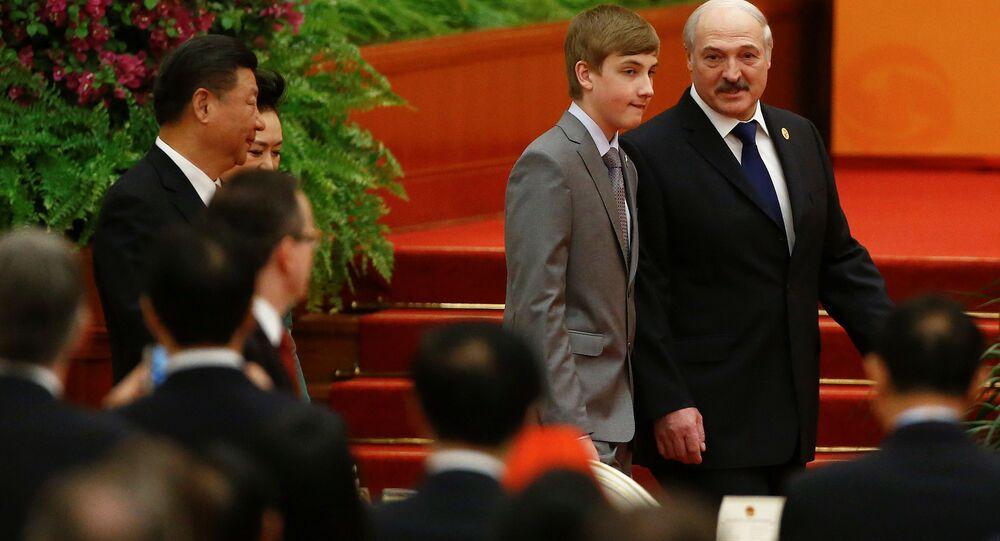 Běloruský prezident Alexandr Lukašenko se synem Nikolajem