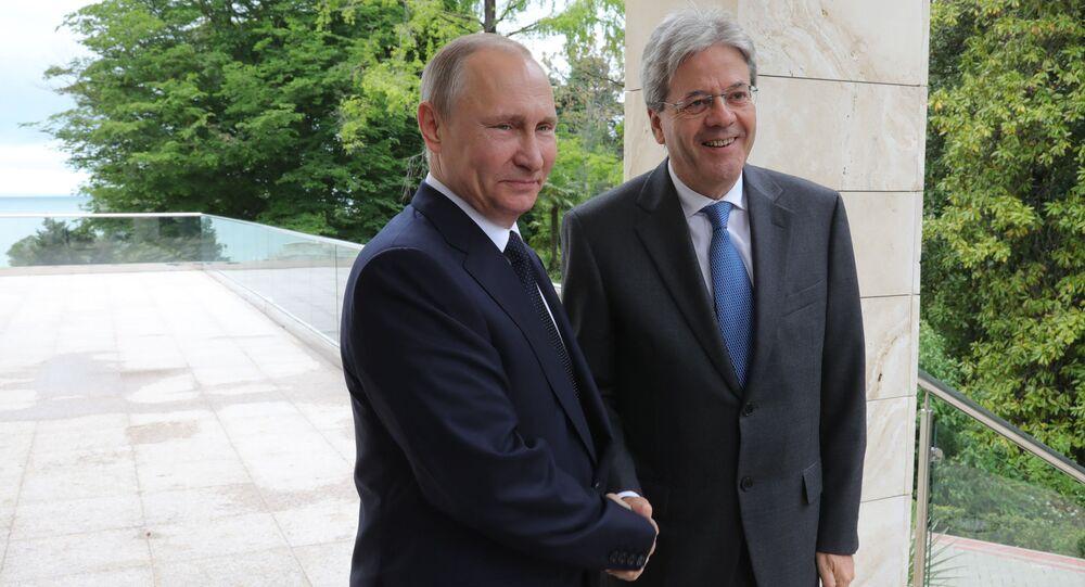 Ruský prezident Vladimir Putin s italským premiérem Paolo Gentilonim