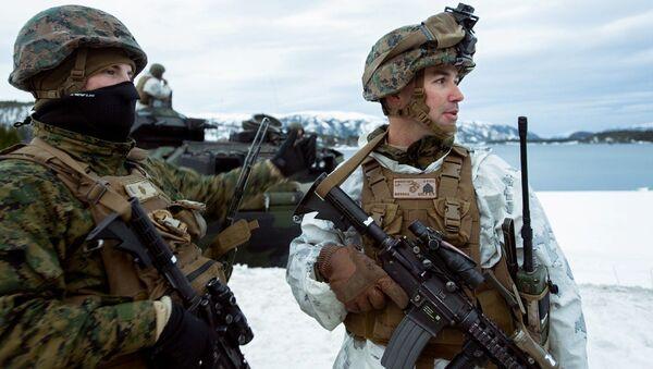 Američtí mariňáci během cvičení Cold Response 2016 v Norsku - Sputnik Česká republika