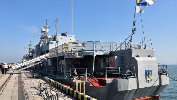 Vlajková loď ukrajinského vojenského námořnictva Hetman Sahajdačnyj - Sputnik Česká republika