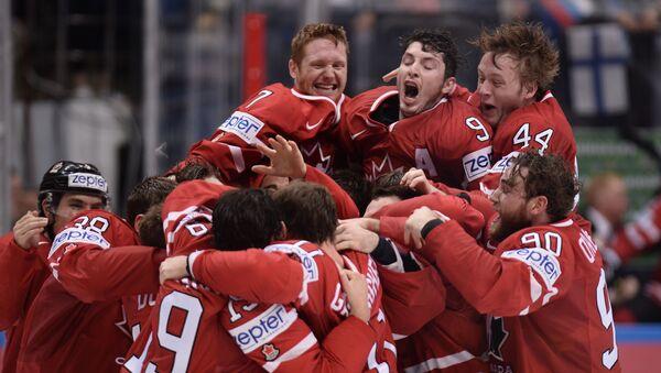Kanadští hokejisté po vítězství v mistrovství světa v hokeji, archivní foto - Sputnik Česká republika