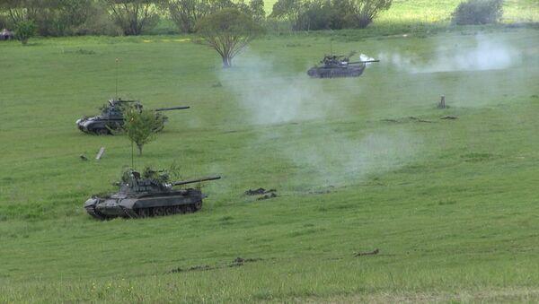 NATO pohrává svaly: v Rumunsku začínají velká cvičení aliance - Sputnik Česká republika