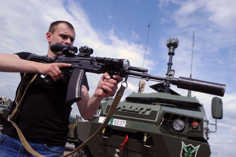 V hlavním městě Běloruska Minsku se odehrává výstava zbraní a vojenské techniky MILEX-2017