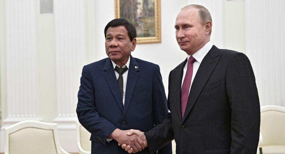 Filipínský prezident Rodrigo Duterte a ruský prezident Vladimir Putin