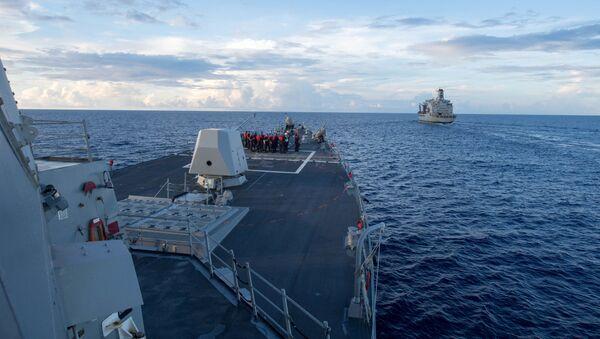 Minonoska vojenského námořnictva USA Dewey v Jihočínském moři - Sputnik Česká republika