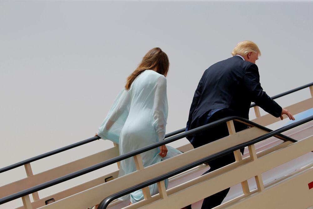Nejlepší foto Melanie Trumpové během první zahraniční cesty prezidenta USA Donalda Trumpa