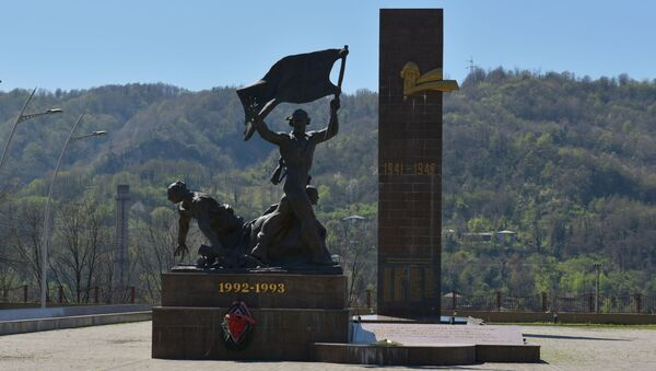 Памятник абхазам, погибших в войне с грузинской армией в 1992-1993 годах - Sputnik Česká republika