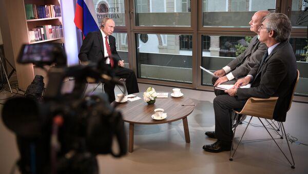 Ruský prezident Vladimir Putin během interview pro list Le Figaro - Sputnik Česká republika