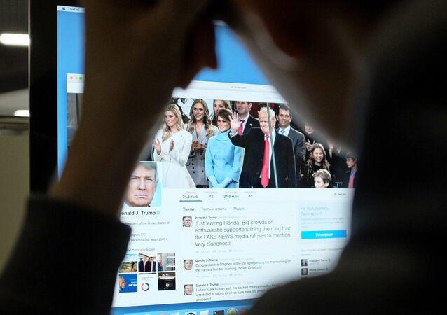 Trumpův účet na Twitteru