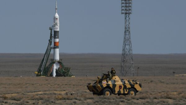 Nosná raketa Sojuz-FG na kosmodromu Bajkonur - Sputnik Česká republika