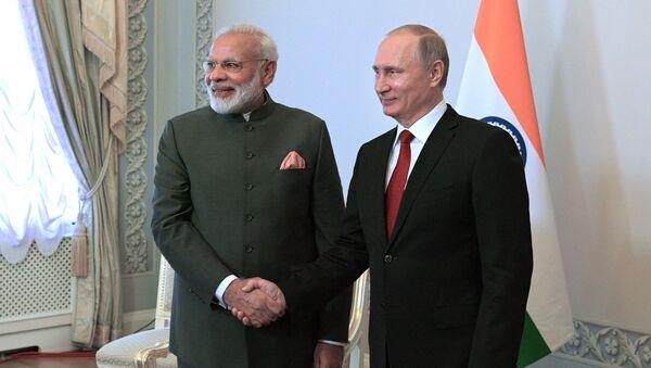 Ruský prezident Vladimir Putin a indický premiér Naréndra Módí - Sputnik Česká republika