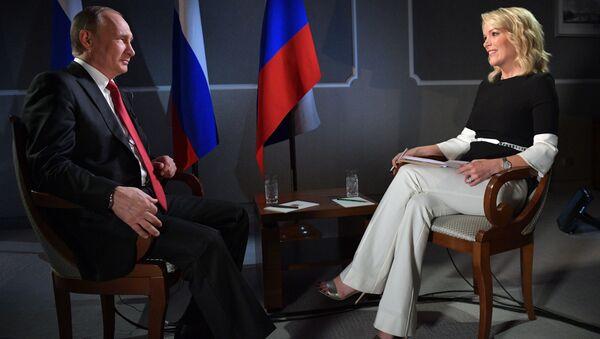 Ruský prezident Vladimir Putin a moderátorka televizního kanálu NBC News Megyn Kellyová - Sputnik Česká republika