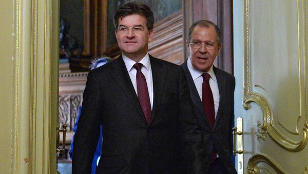 Ruský ministr zahraničních věcí Sergej Lavrov a jeho slovenský protějšek Miroslav Lajčák - Sputnik Česká republika