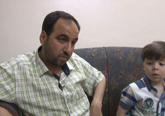 Otec syrského chlapce vypověděl, že ozbrojenci využili snímek jeho syna k propagandistickým cílům