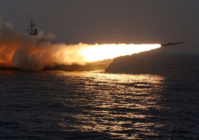 Start nadzvukové protilodní rakety Moskit