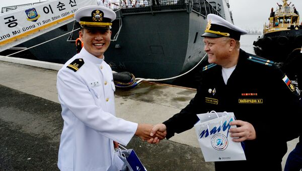 Ruský a korejský námořníci - Sputnik Česká republika