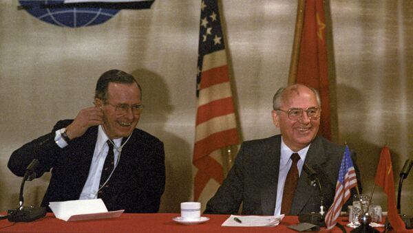 Michail Gorbačov a George H. W. Bush - Sputnik Česká republika