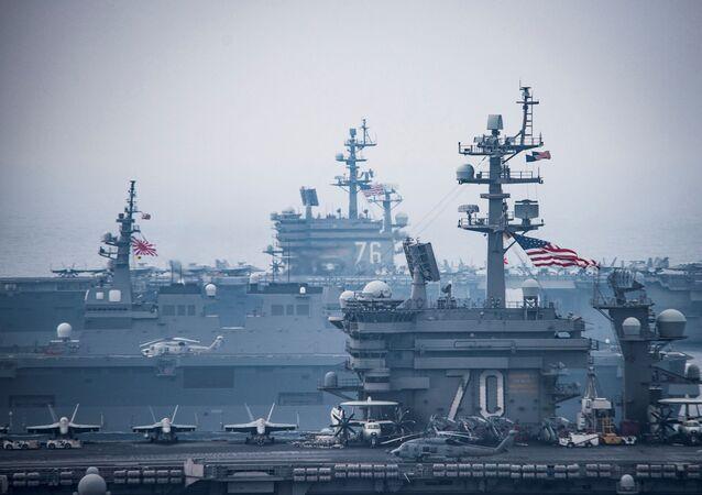 Americké letadlové lodě Ronald Regan a Carl Vinson