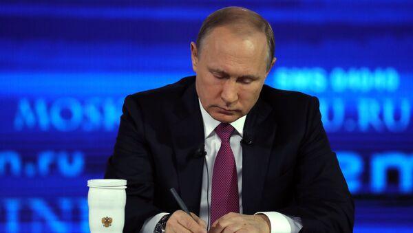 Direct Line with Vladimir Putin - Sputnik Česká republika
