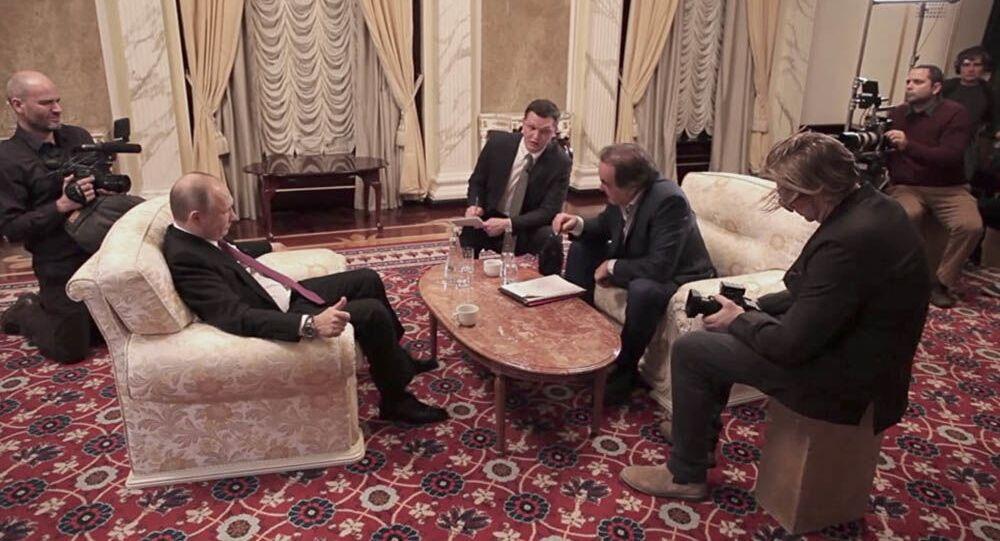 Vladimir Putin a Oliver Stone během interview