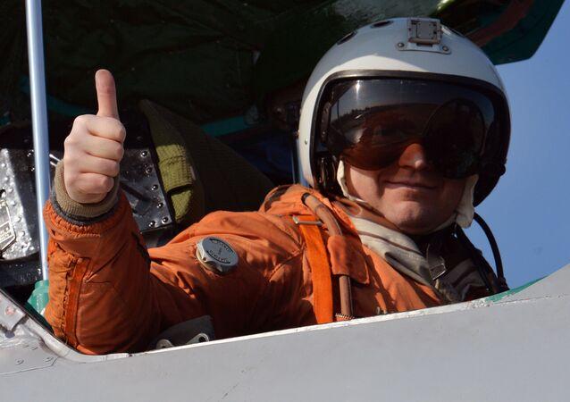 Letec ve stíhačce MiG-31