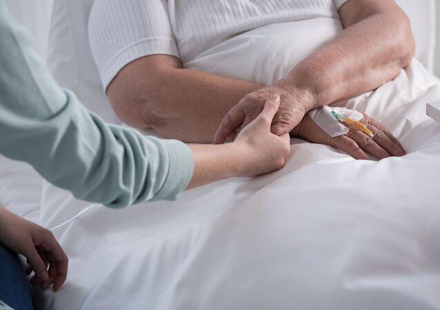 Žena postižená rakovinou. Ilustrační foto