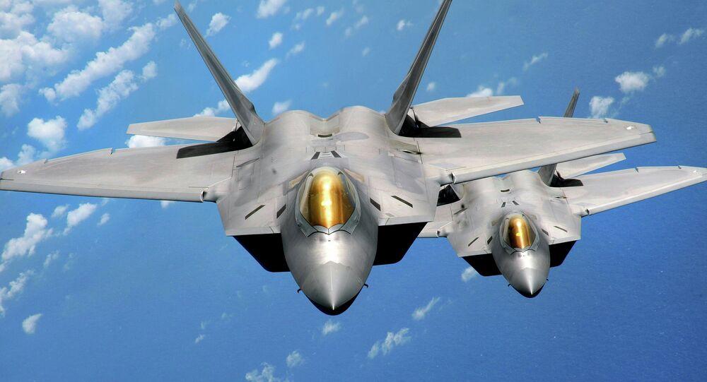 Stíhačky F-22 Raptor