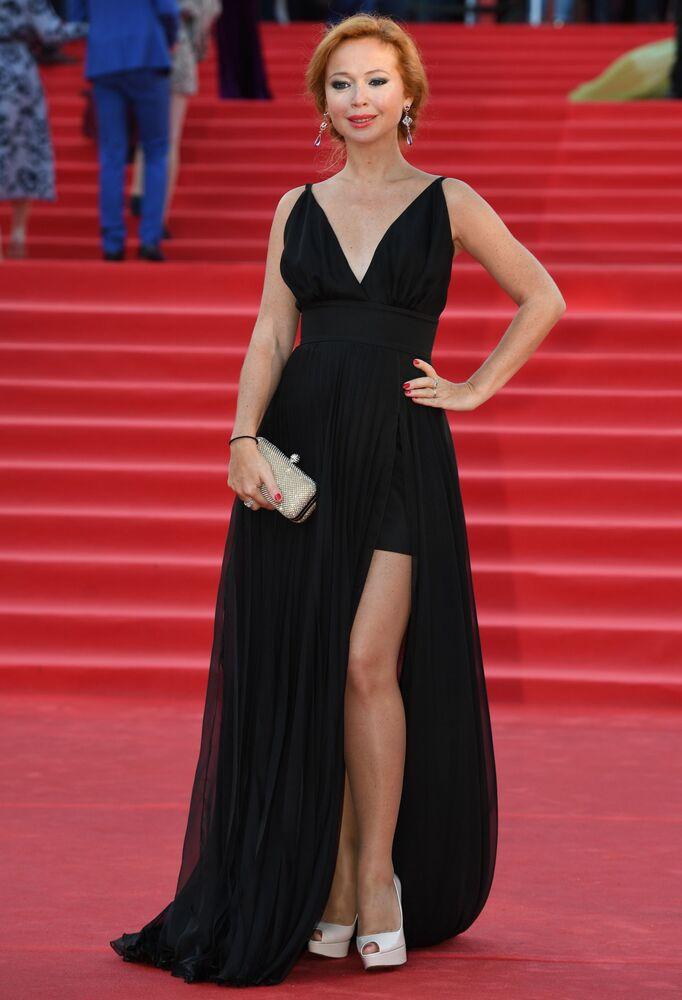Herečka Jelena Zacharovová během slavnostního zahájení Moskevského mezinárodního filmového festivalu