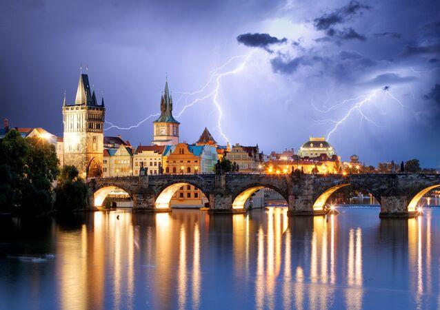 Praha během bouřky (ilustrační foto)