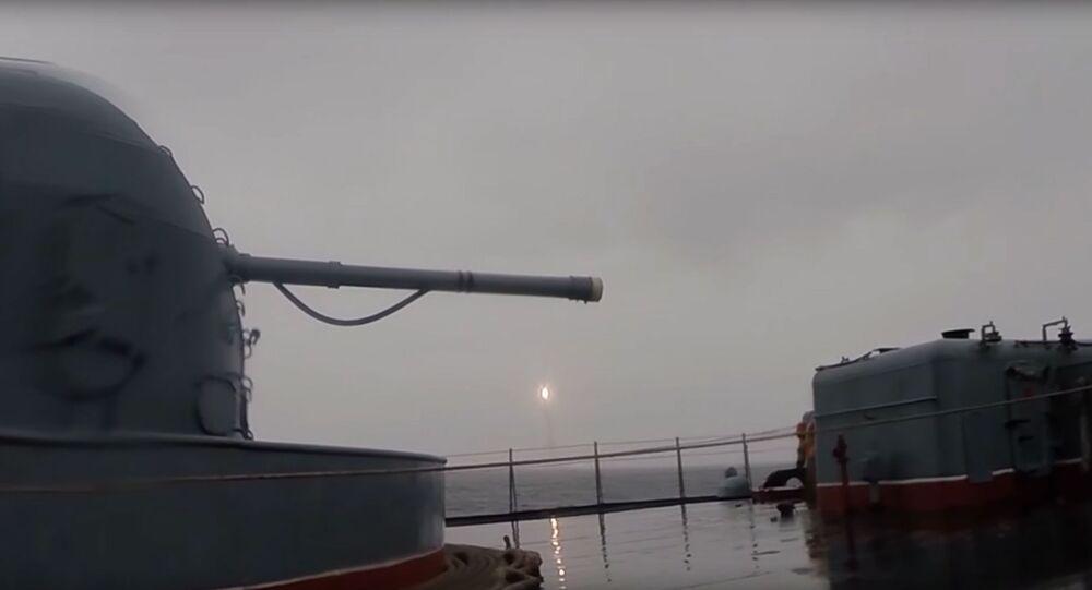 Odpálení balistické rakety Bulava z ponorky Jurij Dolgorukij