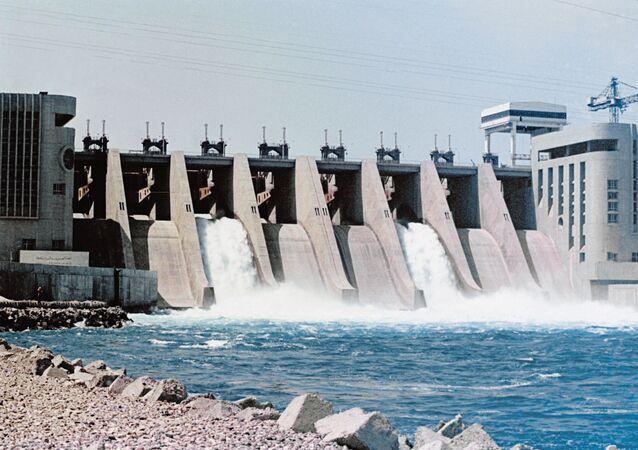 Vodní elektrárna v Sýrii