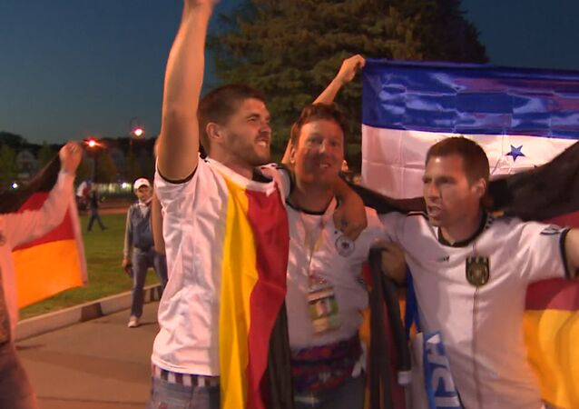 Veselí německých fanoušků po vítězství německé reprezentace