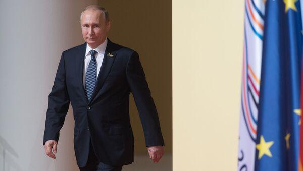 Ruský prezident Vladimir Putin na summitu G20 v Hamburku - Sputnik Česká republika