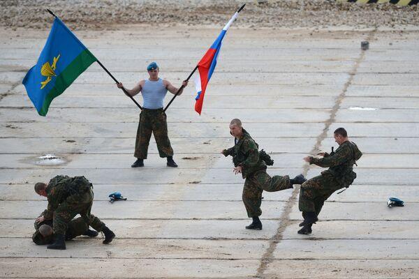 Armáda 2015: možnosti ruské vojenské techniky - Sputnik Česká republika