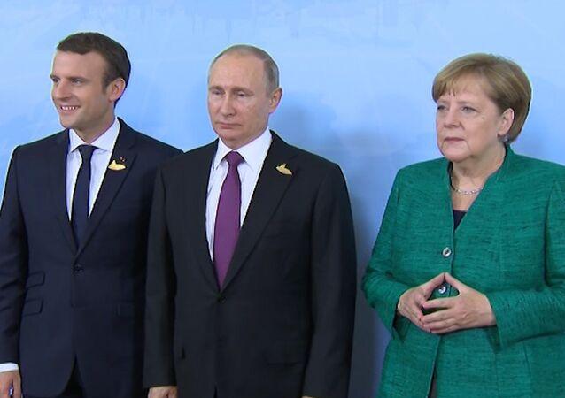 Schůzka prezidenta RF Vladimira Putina s kancléřkou SRN Angelou Merkelovou  a s prezidentem Francie Emmanuelem Macronem