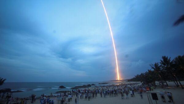 Start čínské rakety Y2 Long March-5 v provincii  Chaj-nan, Čína - Sputnik Česká republika