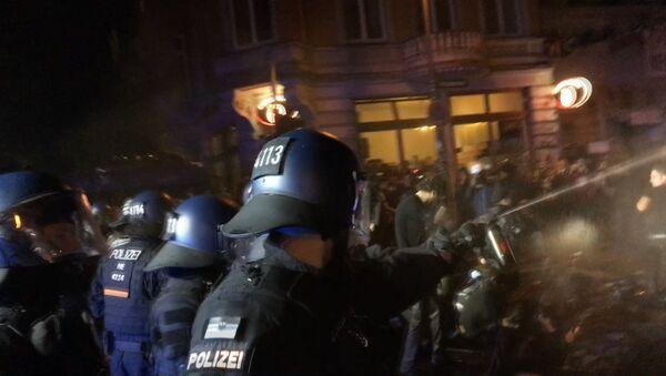 V Hamburku pokračují protesty proti summitu G20 - Sputnik Česká republika