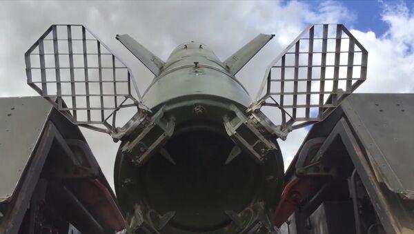 Praktické střelby z taktického raketového systému Točka-U - Sputnik Česká republika