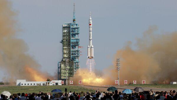 Start čínské pilotované vesmírné lodě Shenzhou X - Sputnik Česká republika
