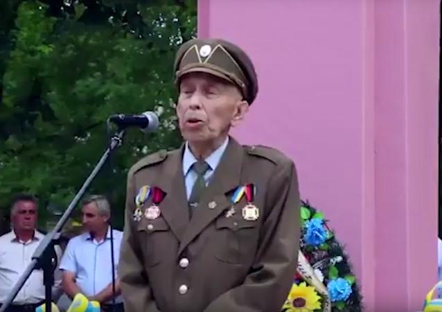 Ukrajinský nacionalista zemřel během projevu u pomníku Šuchevyčovi