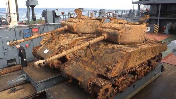 Ze dna Barentsova moře vyzvedli americké tanky doby 2. sv. války - Sputnik Česká republika