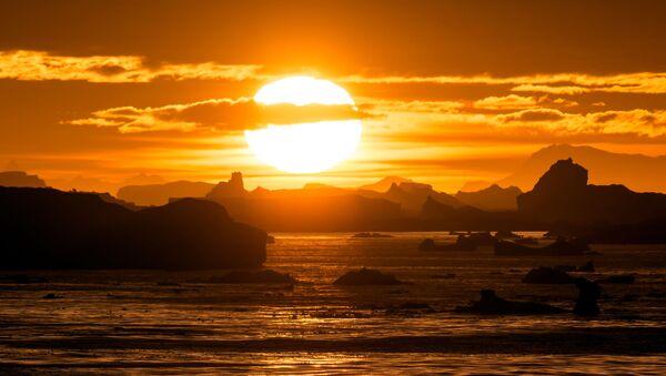 Západ slunce, Antarktida - Sputnik Česká republika