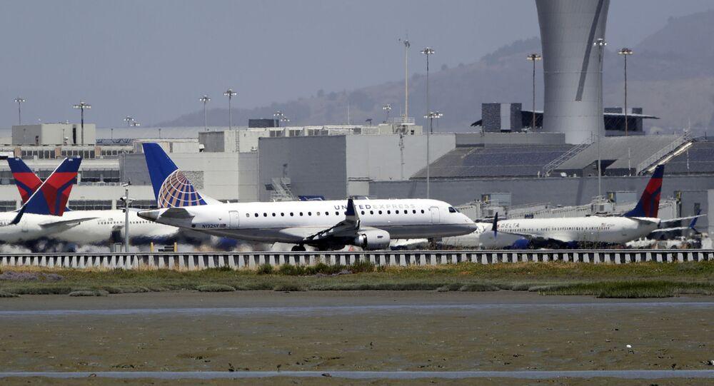 Letadla na letišti v San Francisku