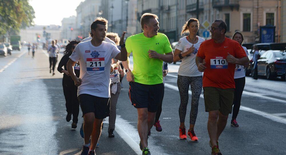 Dmitrij Peskov běží na Mezinárodním ekonomickém fóru v Petrohradu