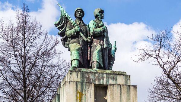 Pomník sovětským vojákům v Katovicích - Sputnik Česká republika
