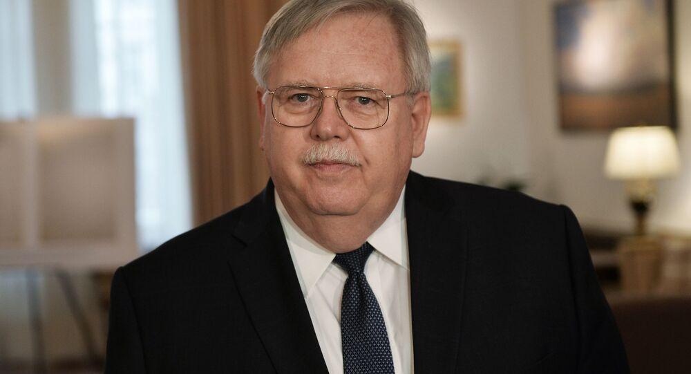 Americký velvyslanec v RF John Tefft