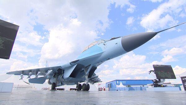 Manévry nejnovější stíhačky MiG-35 - Sputnik Česká republika