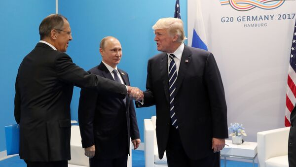 Sergej Lavrov, Vladimir Putin a Donald Trump - Sputnik Česká republika